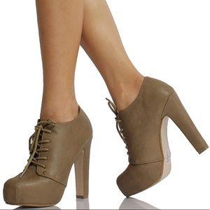Faux Leatherette Lace Up Platform Ankle Boots